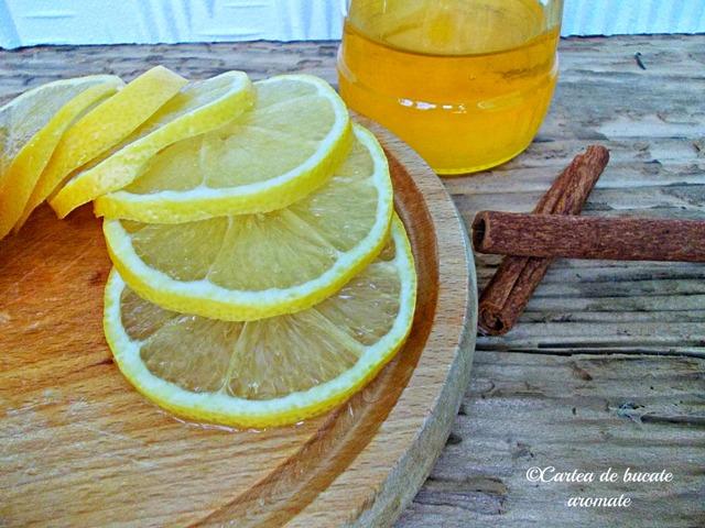 miere cu lămâie, scorţişoară şi turmeric