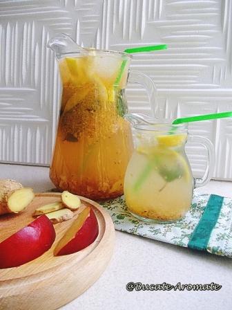 Limonadă cu nectarine şi ghimbir