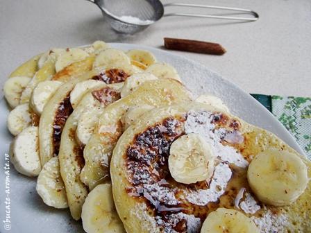 Pancakes cu banane si malai