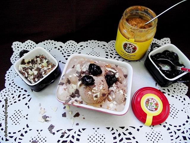 Îngheţată cu unt de arahide şi ciocolată