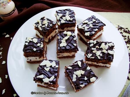 Prăjitura cu ciocolată şi cremă straciatella