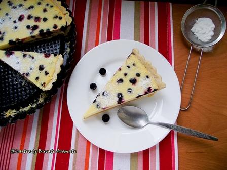 Tartă cu cremă de brânză şi afine