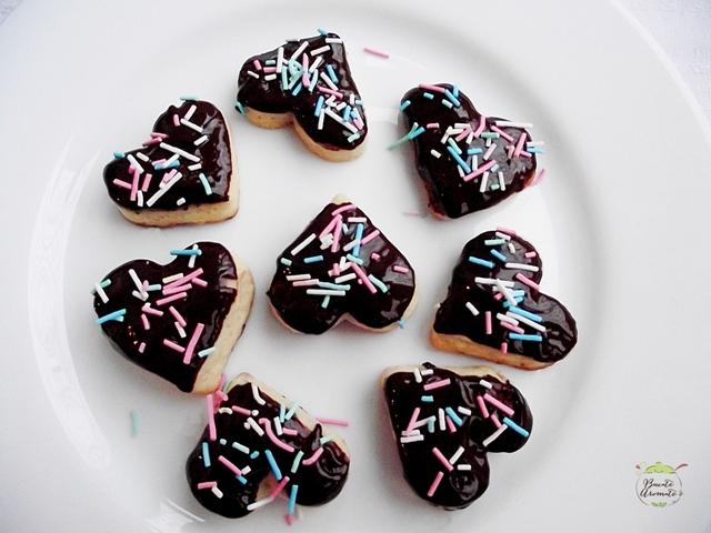 Fursecuri cu ghimbir şi glazură de ciocolată