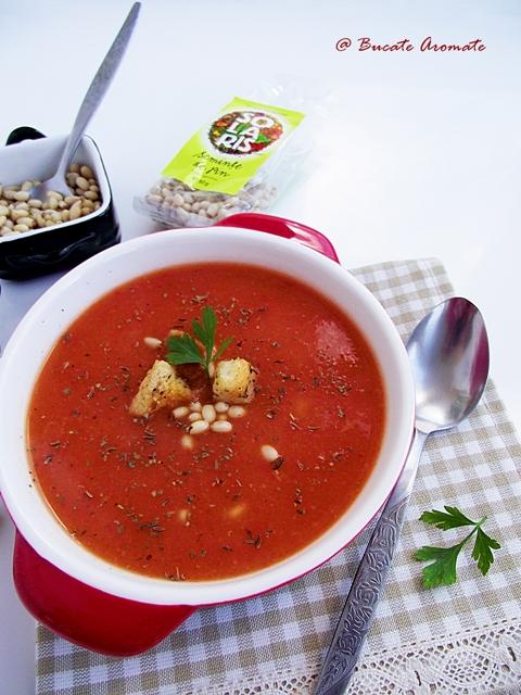 Supă cremă aromată cu seminţe de pin