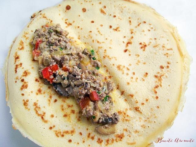 Clătite cu carne tocată şi ciuperci la cuptor