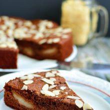 Prăjitură cu pere şi vin roşu