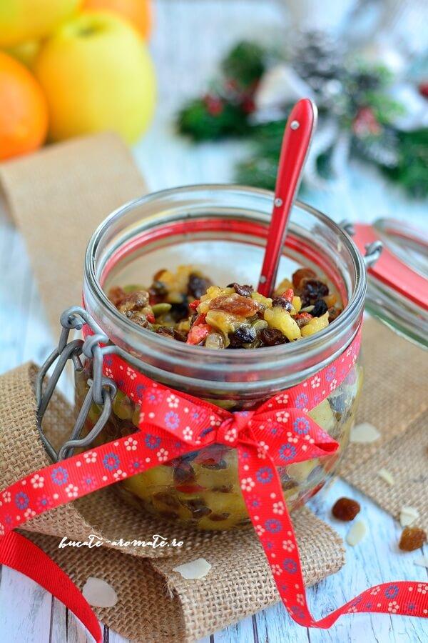 Salată de fructe uscate (Christmas fruit mince)