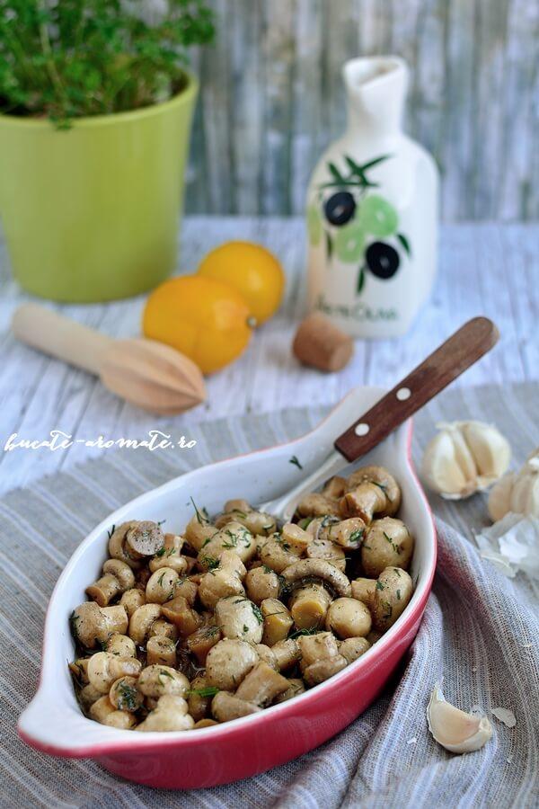 Garnitura de ciuperci cu mărar şi usturoi