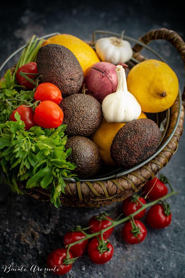 Ingrediente pentru salata de avocado