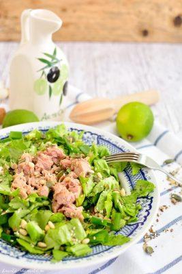 retete dietetice - Salată verde cu ton și seminţe de tot felul