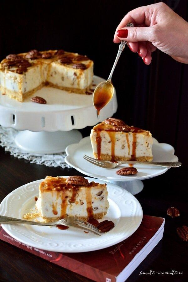 Cheese cake fără coacere cu caramel şi nuci pecan
