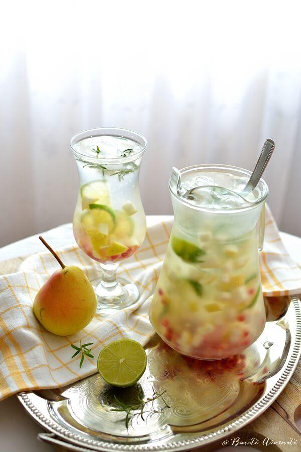 Limonadă cu pere şi sâmburi de rodie