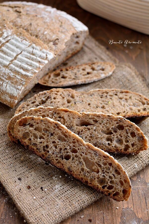 Pâine cu făină integrală și semințe de in