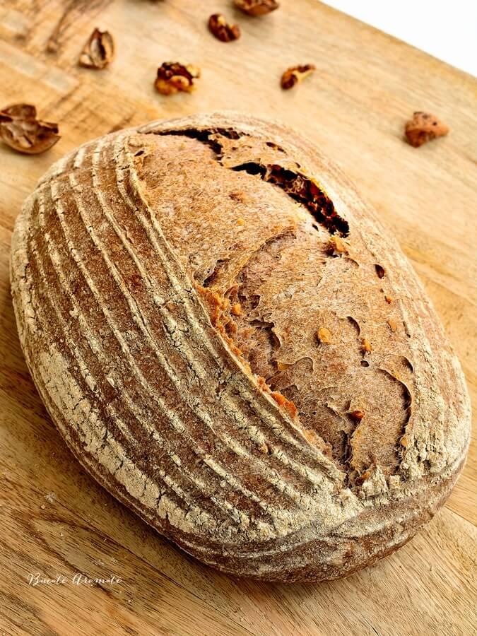 Pâine integrală cu nuci
