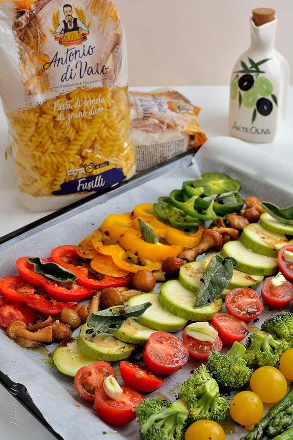 Paste cu legume coapte în cuptor şi aromă de salvie