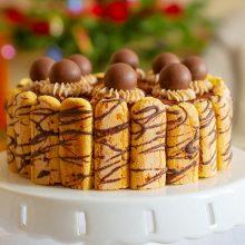 Tort fără coacere cu pișcoturi, frișcă și ciocolată