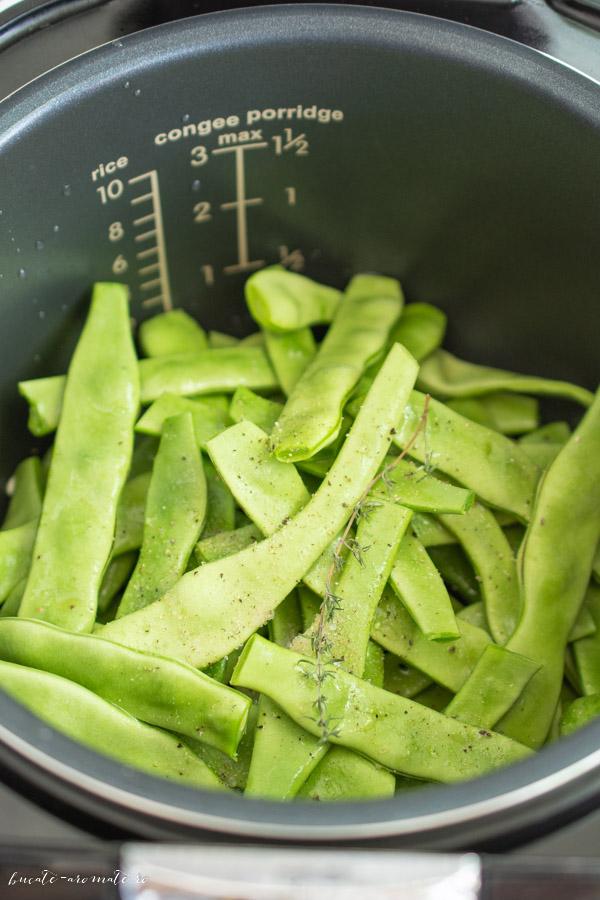Fasole verde cu usturoi si marar