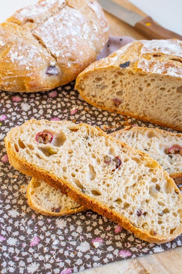Pâine trio de măsline cu lămâie și busuioc