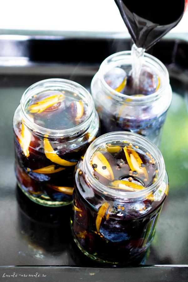 Prune marinate cu usturoi