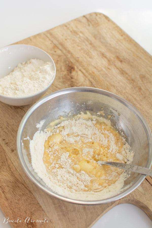 preparare găluște pentru gulaș