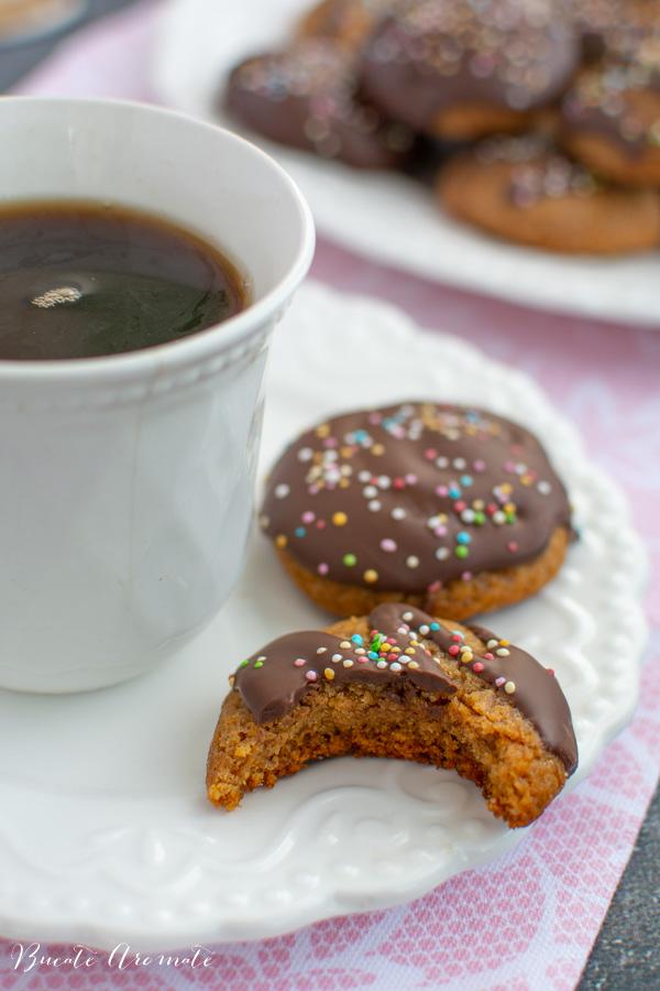 ceva dulce la cafea