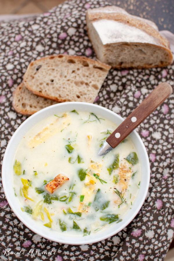 Ciorba de salata verde cu afumatura