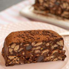 Prăjitură cu biscuiți fără coacere