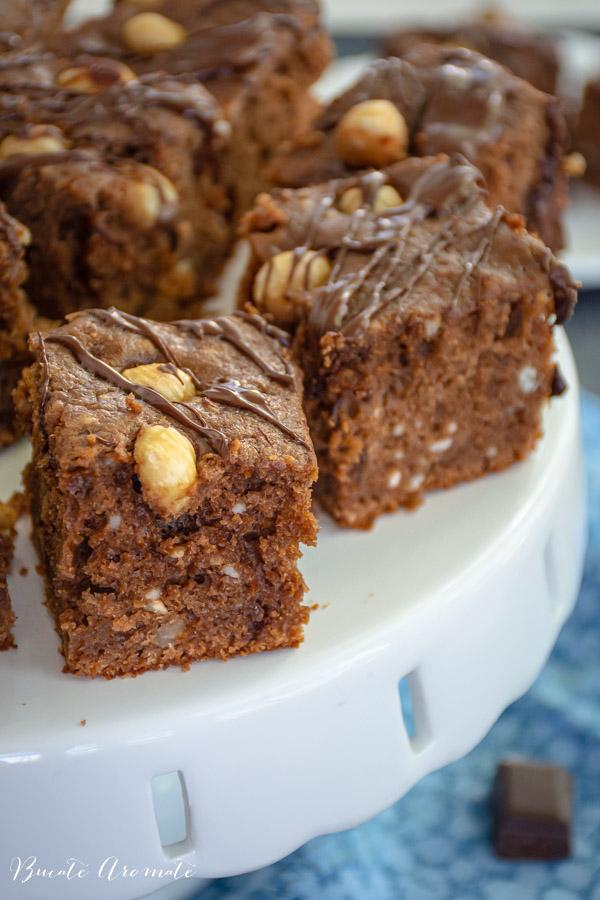 prăjitură cu ciocolată și alune