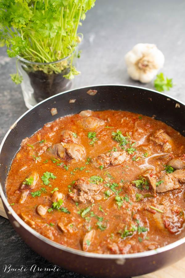 Ficăței de pui cu sos de roșii