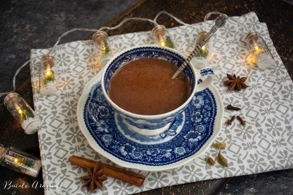 ciocolata calda densa si cremoasa