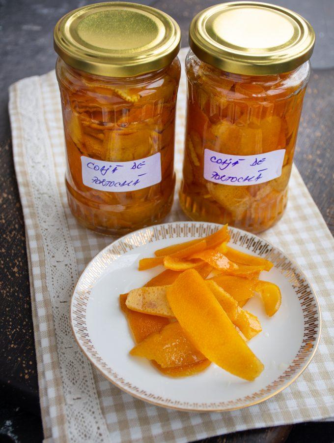 Coajă de portocală confiată