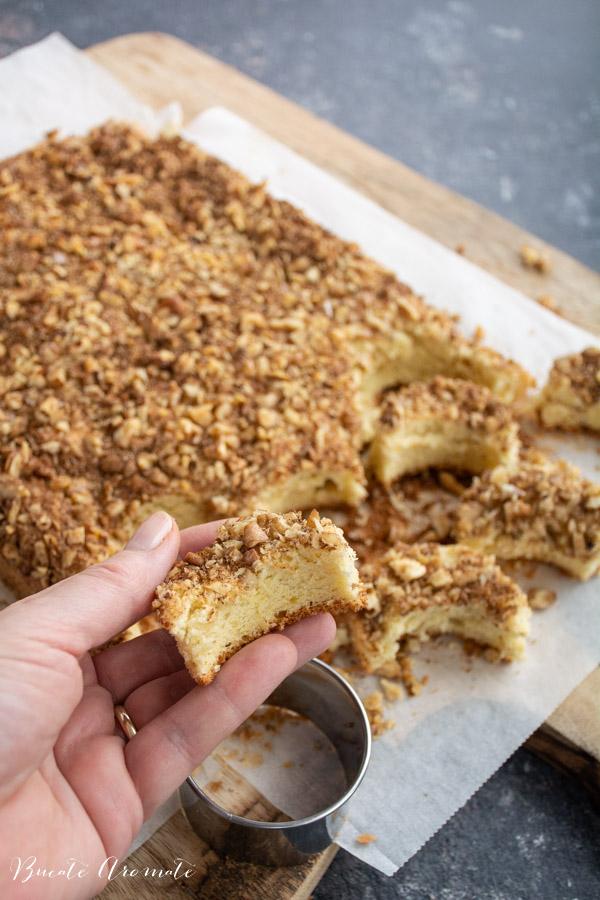 Prăjitura Semiluna cu nuci