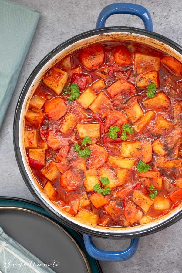 Mâncare de post cu țelină și morcovi