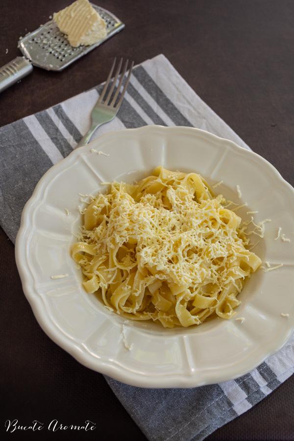 Cele mai simple paste cu brânză