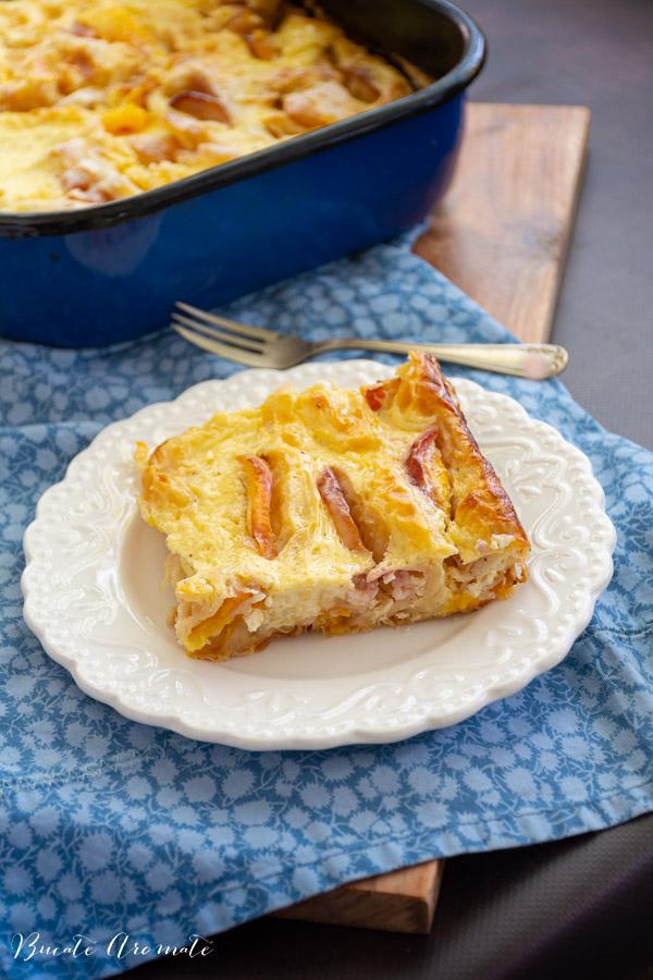 Plăcintă cu piersici și iaurt