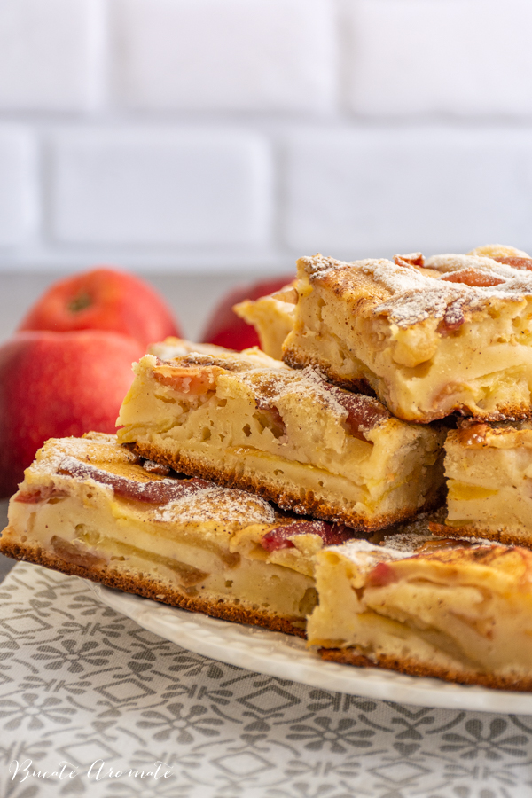 Prajitura simpla cu mere si lapte batut