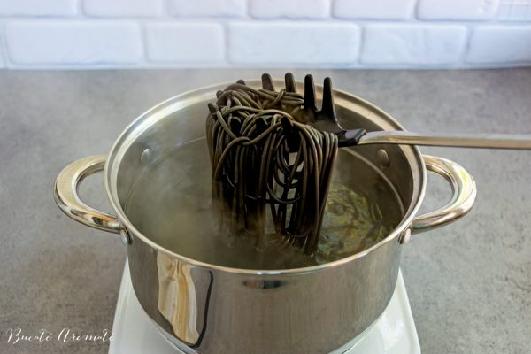spaghete cu negru de sepie